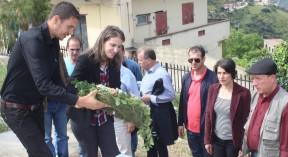 Recueillements et dépôts de gerbes de fleurs - Circuit De BENI YENNI le Vendredi 22 Avril 2016  (31)